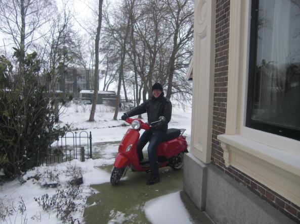 De rode NovoxC50. (Foto: Mariëtte van Amstel, jan.2013)